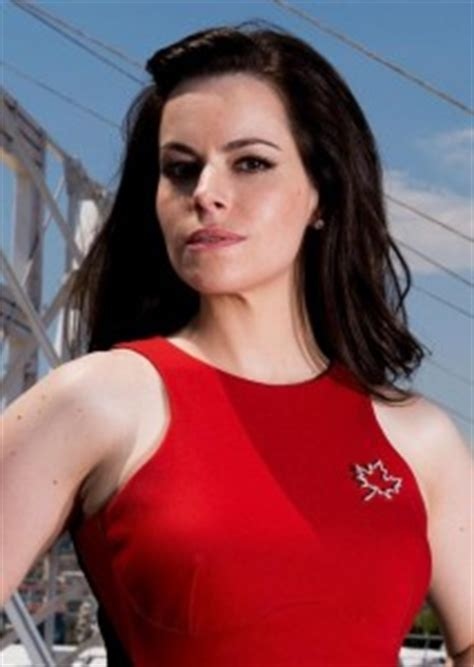 Emily Hampshire Bra Size, Age, Weight, Height